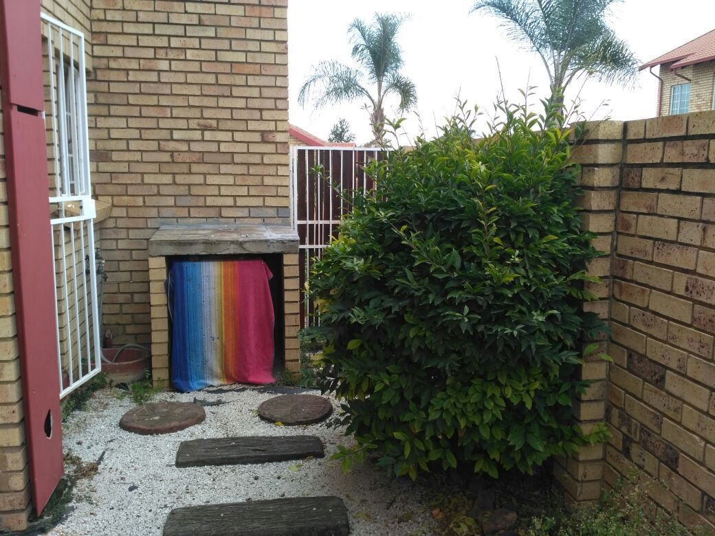 Highveld property for sale. Ref No: 13513379. Picture no 17