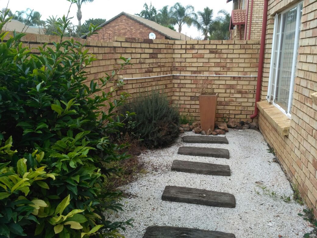 Highveld property for sale. Ref No: 13513379. Picture no 8