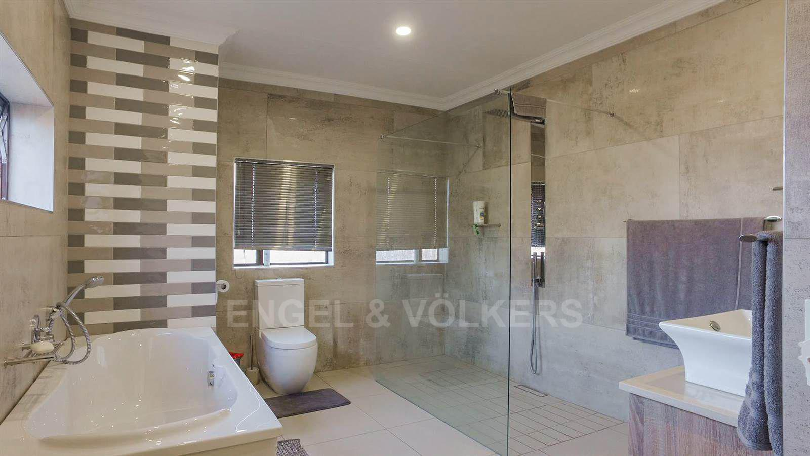 Eldoraigne property for sale. Ref No: 13520407. Picture no 17