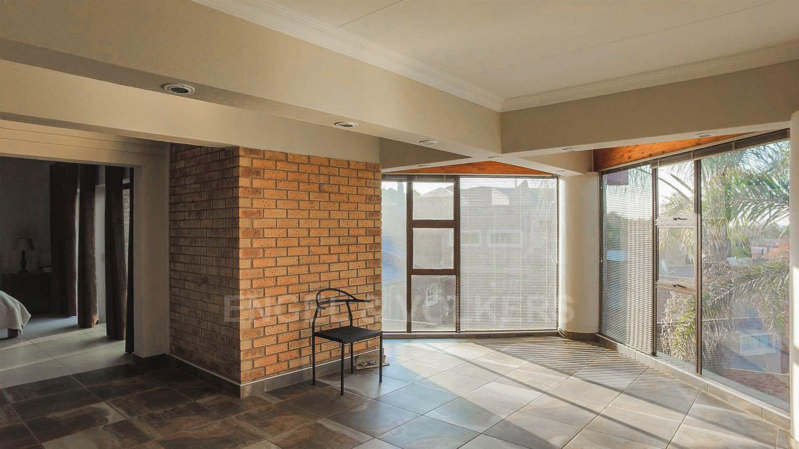 Eldoraigne property for sale. Ref No: 13520407. Picture no 16
