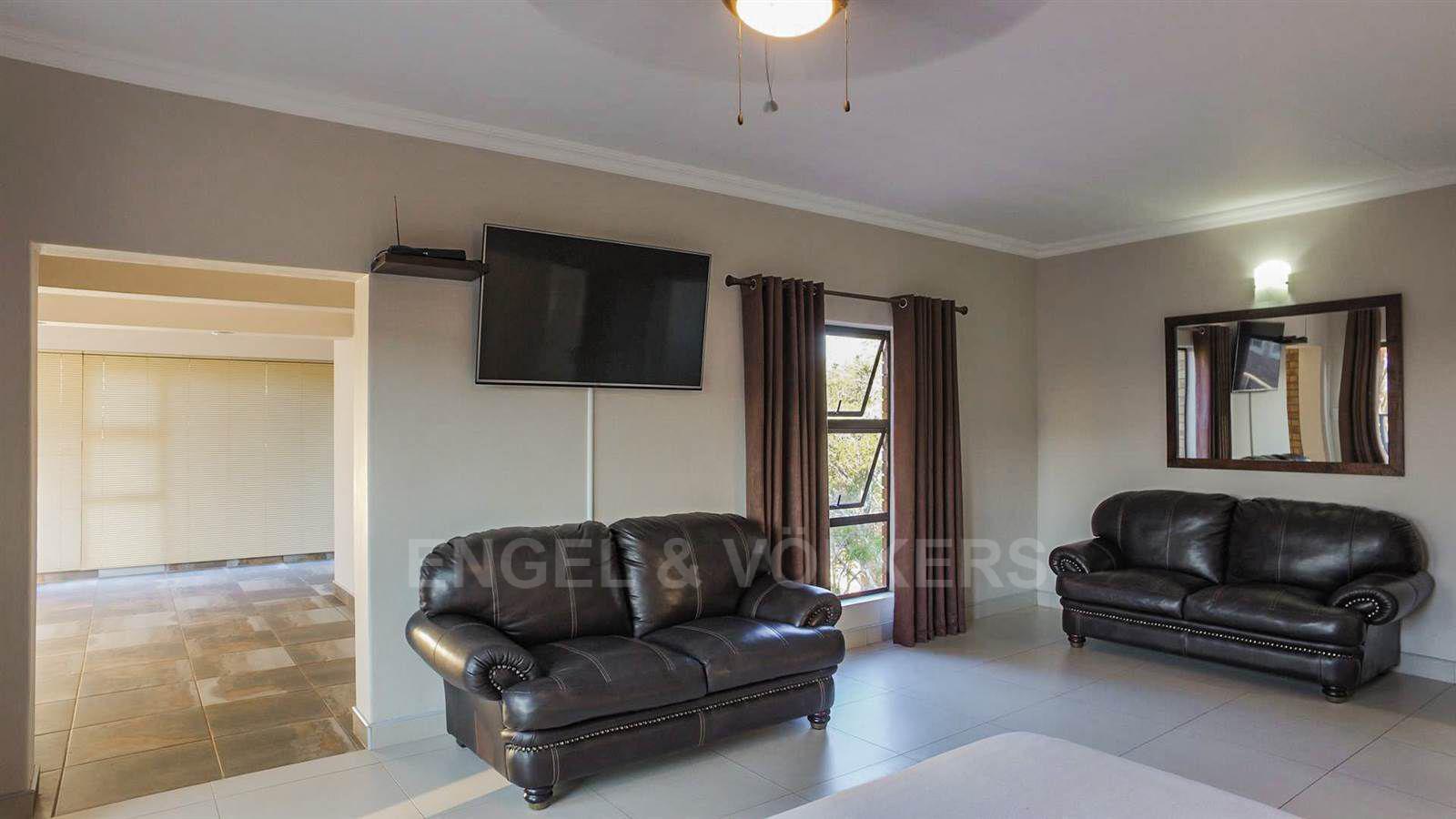 Eldoraigne property for sale. Ref No: 13520407. Picture no 15