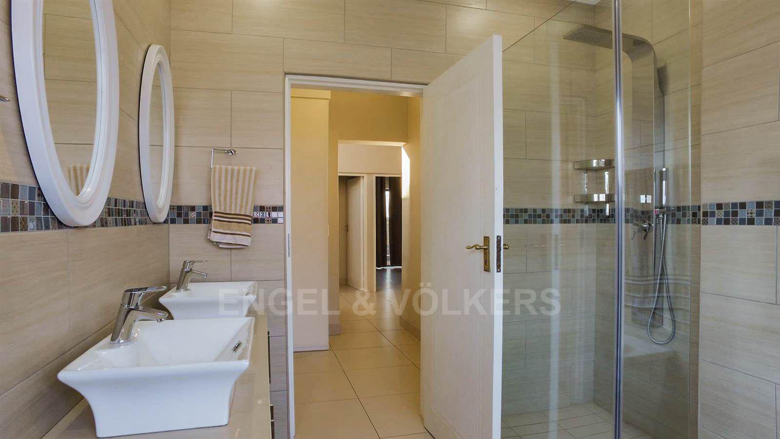Eldoraigne property for sale. Ref No: 13520407. Picture no 21