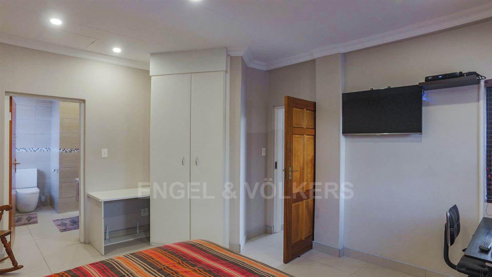 Eldoraigne property for sale. Ref No: 13520407. Picture no 18