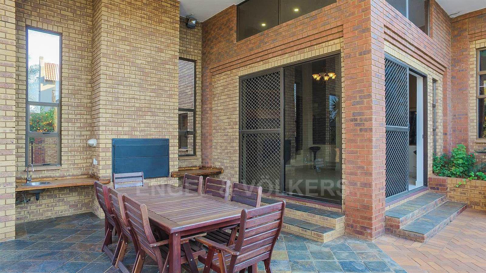 Eldoraigne property for sale. Ref No: 13520407. Picture no 27