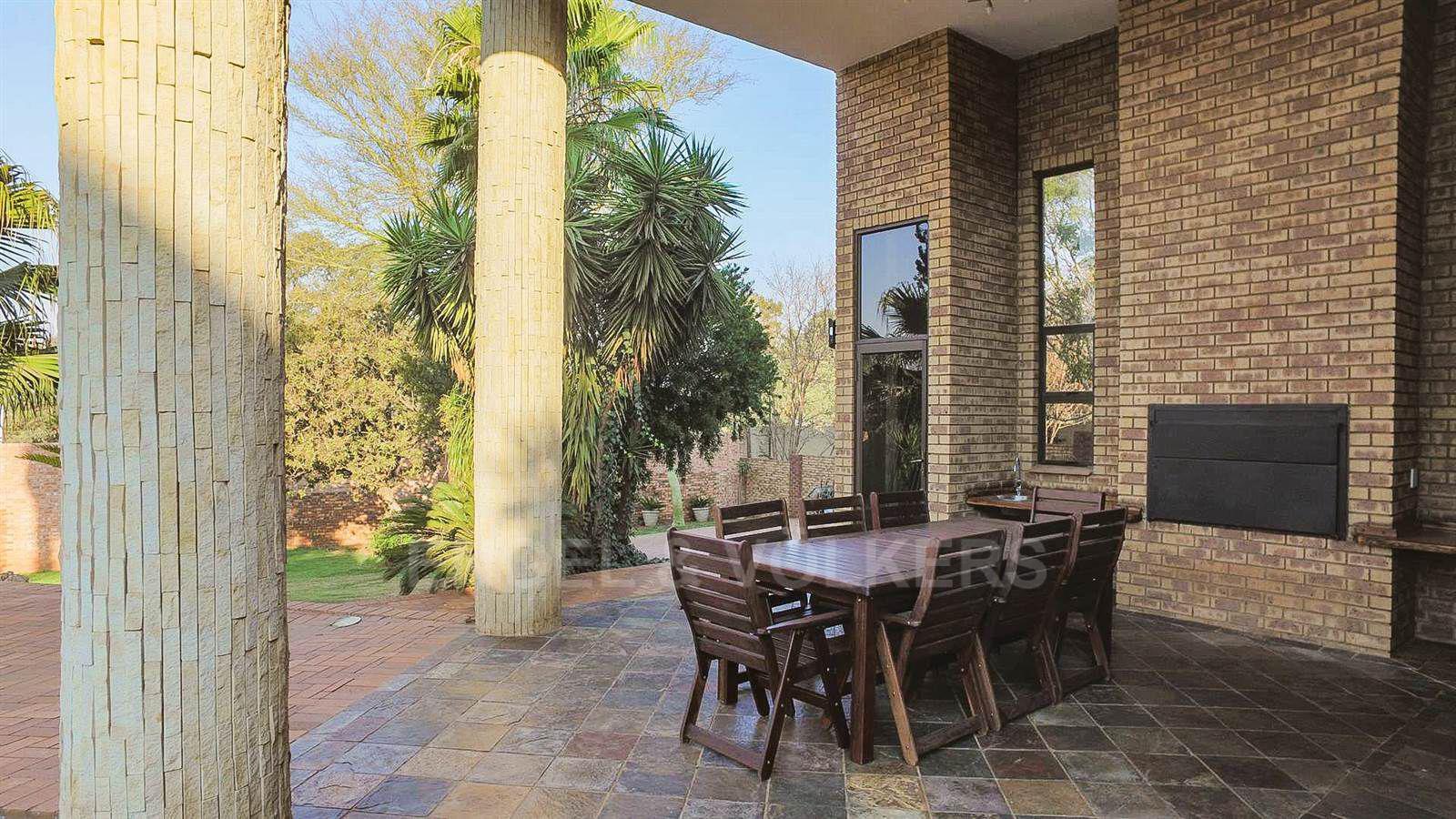 Eldoraigne property for sale. Ref No: 13520407. Picture no 28