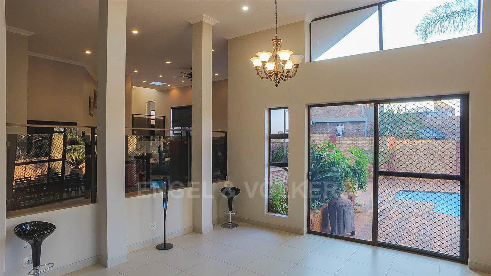 Eldoraigne property for sale. Ref No: 13520407. Picture no 25