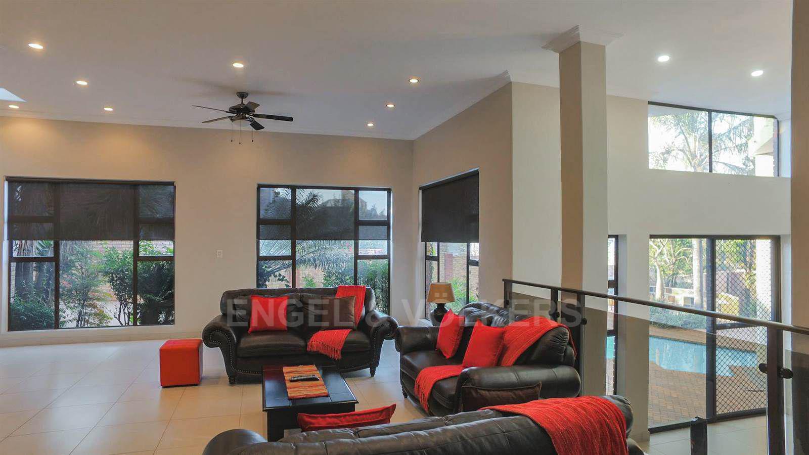 Eldoraigne property for sale. Ref No: 13520407. Picture no 10