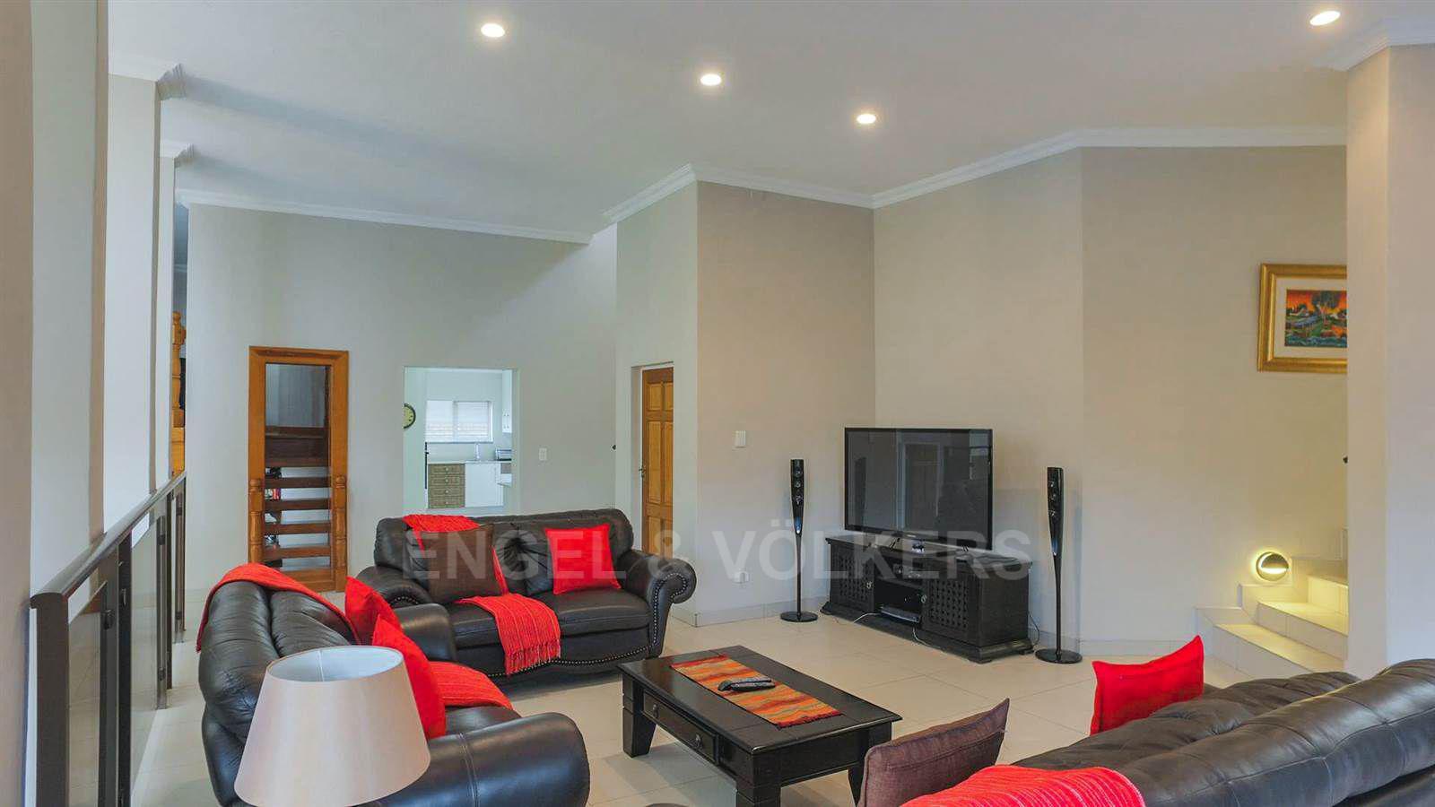 Eldoraigne property for sale. Ref No: 13520407. Picture no 12