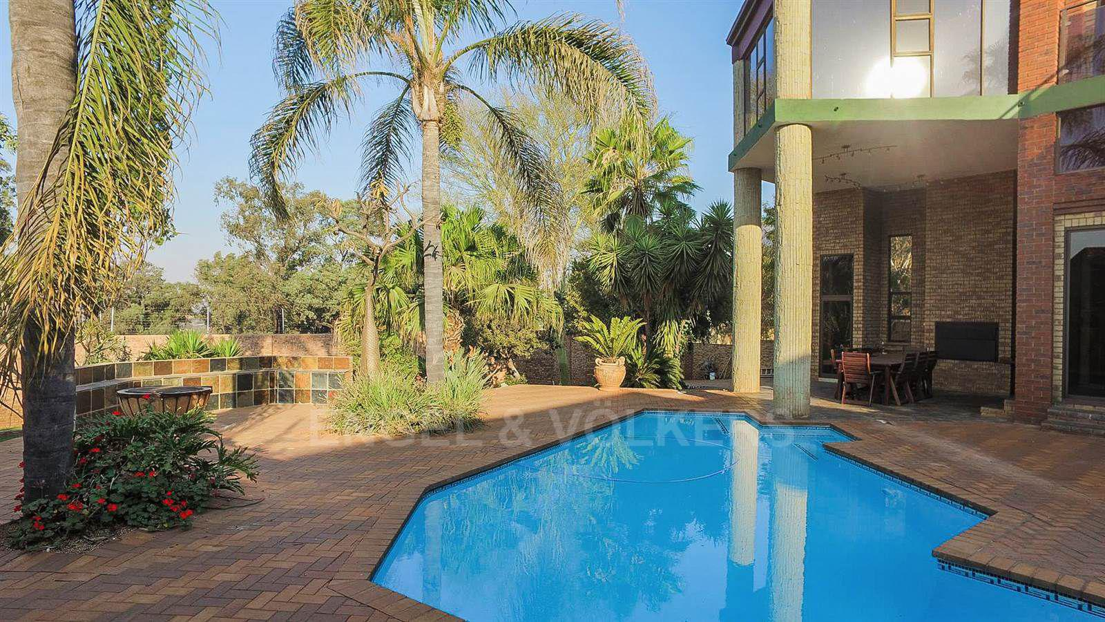 Eldoraigne property for sale. Ref No: 13520407. Picture no 5