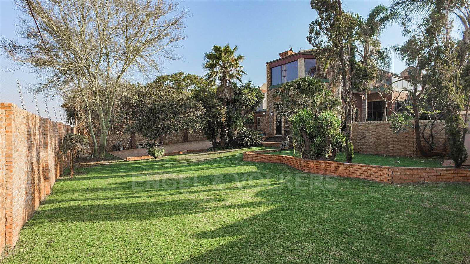 Eldoraigne property for sale. Ref No: 13520407. Picture no 29
