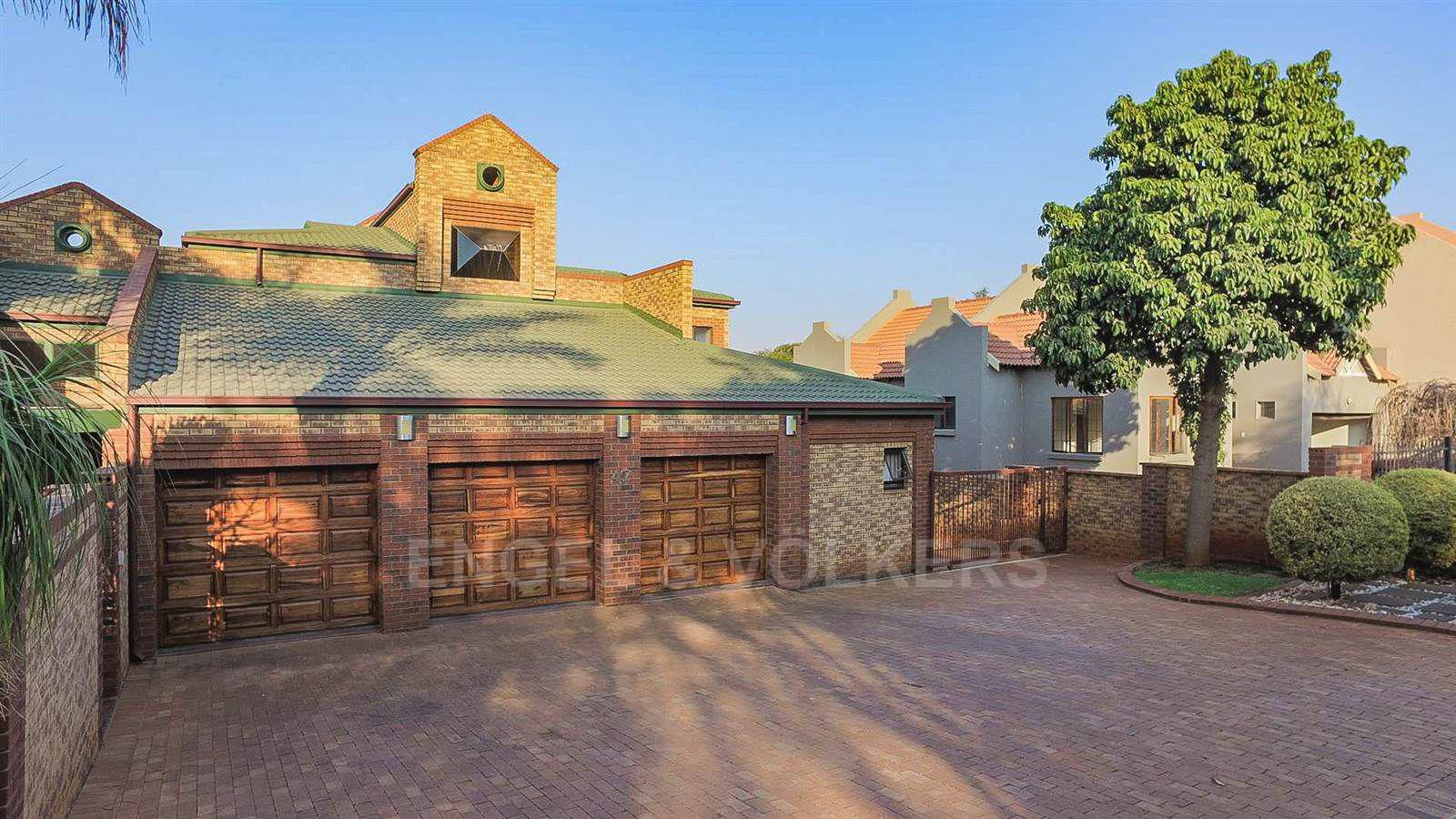 Eldoraigne property for sale. Ref No: 13520407. Picture no 3