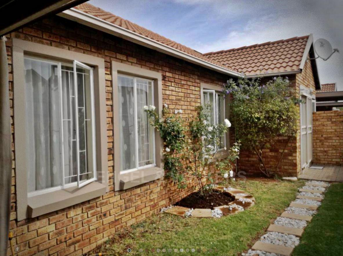 Centurion, Kosmosdal Property    Houses For Sale Kosmosdal, KOSMOSDAL, Simplex 3 bedrooms property for sale Price:1,150,000