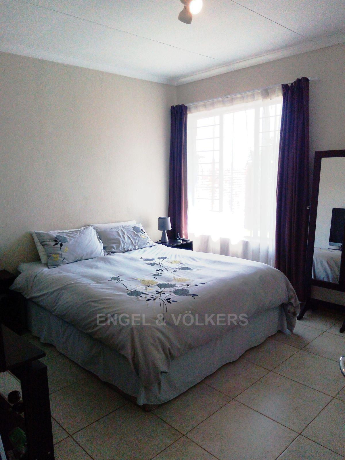 Amberfield property for sale. Ref No: 13537795. Picture no 11