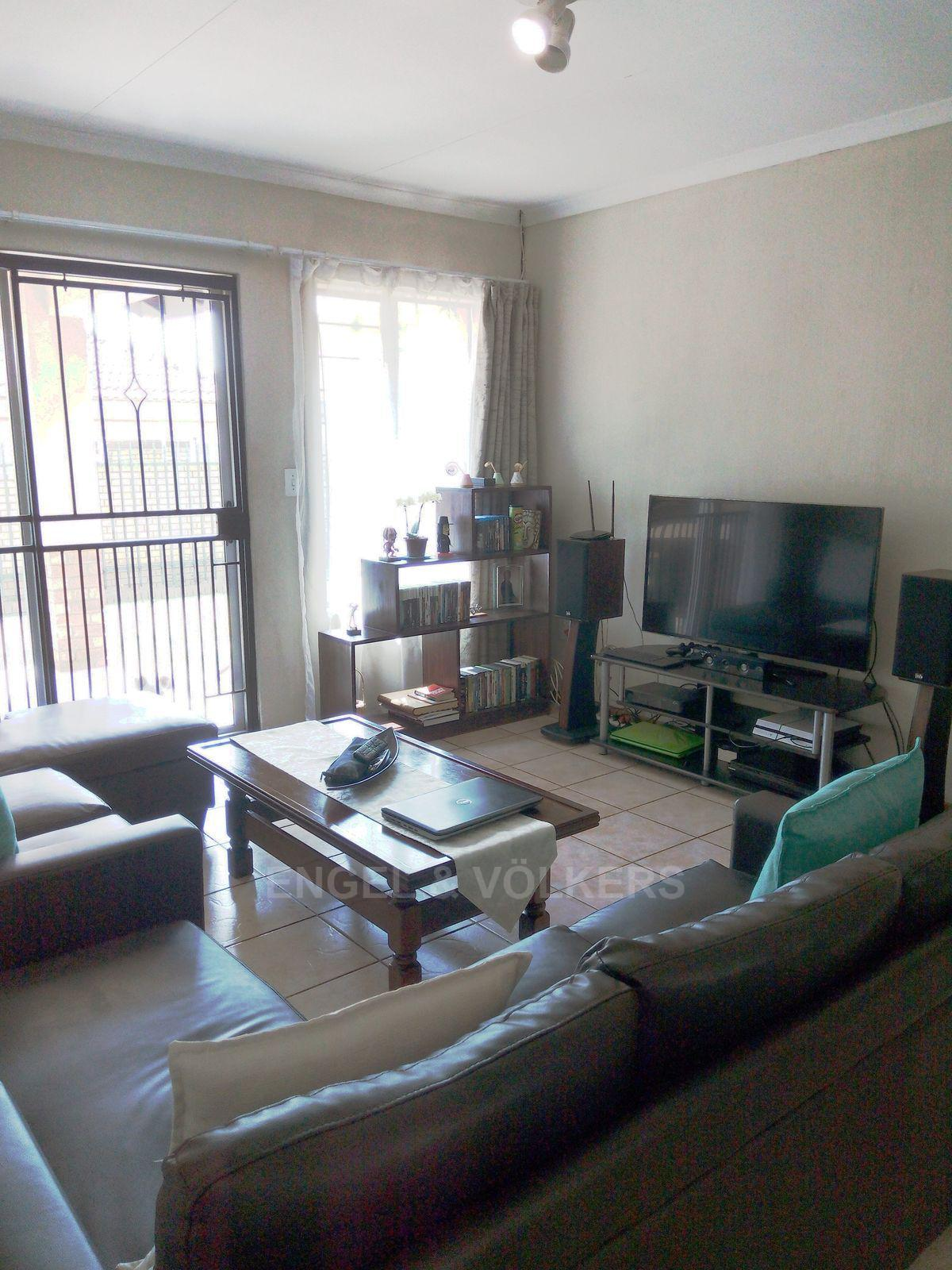 Amberfield property for sale. Ref No: 13537795. Picture no 5