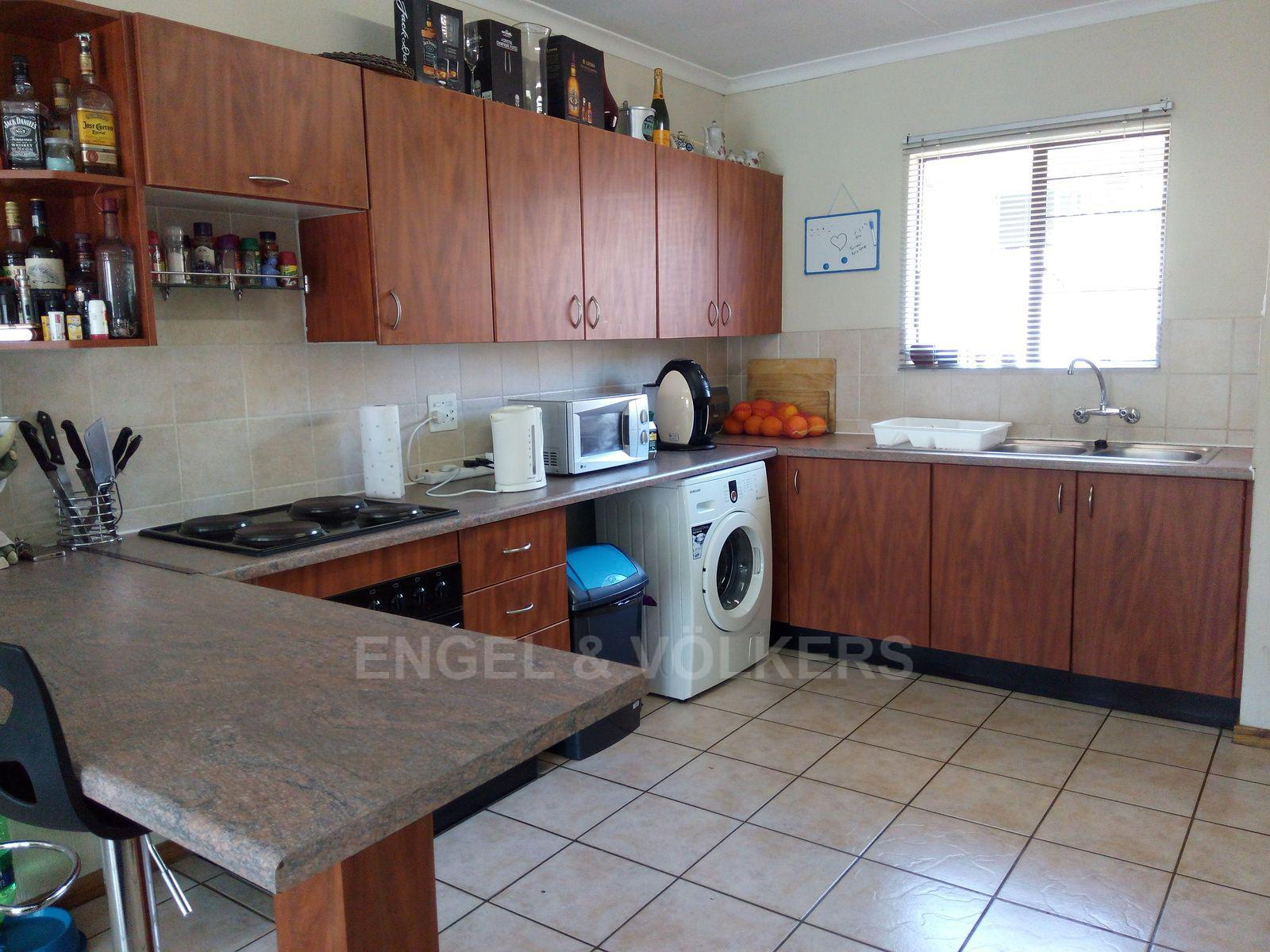 Amberfield property for sale. Ref No: 13537795. Picture no 9