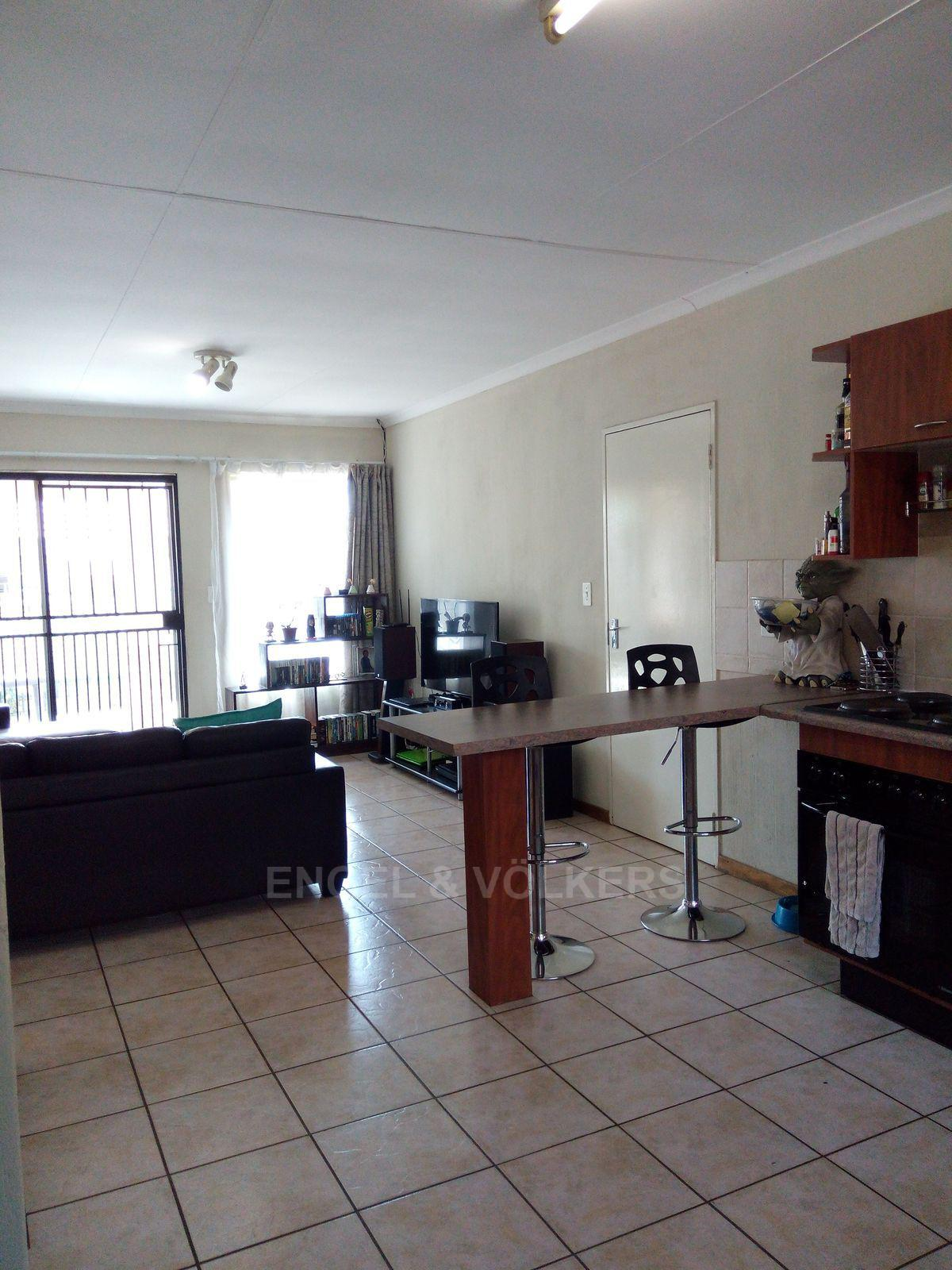 Amberfield property for sale. Ref No: 13537795. Picture no 2