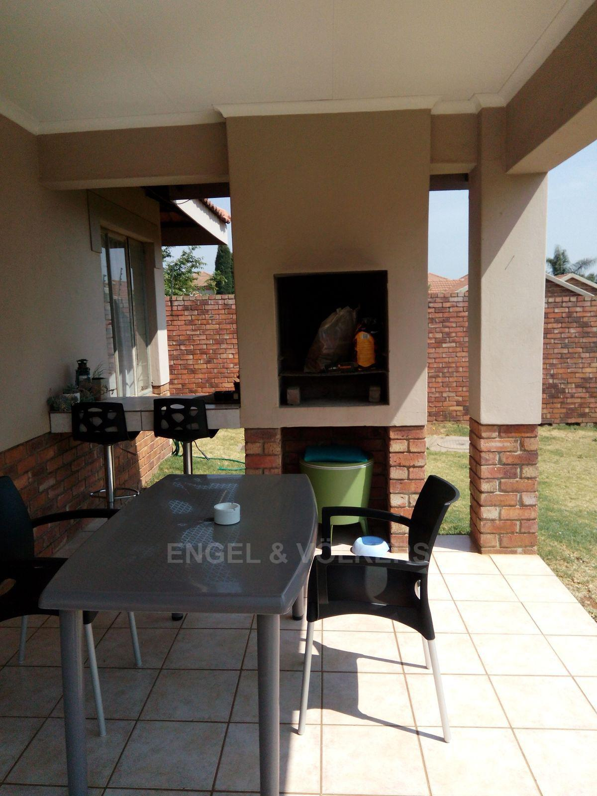 Amberfield property for sale. Ref No: 13537795. Picture no 16