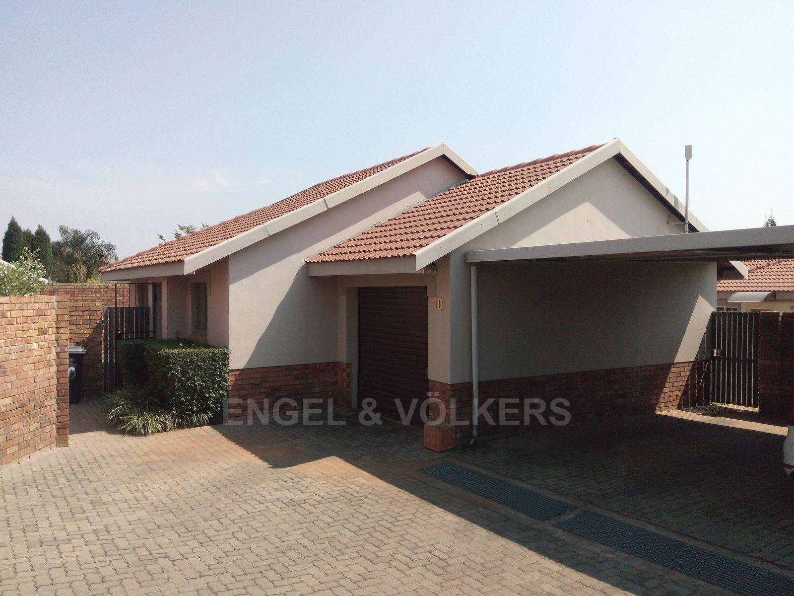 Amberfield property for sale. Ref No: 13537795. Picture no 1