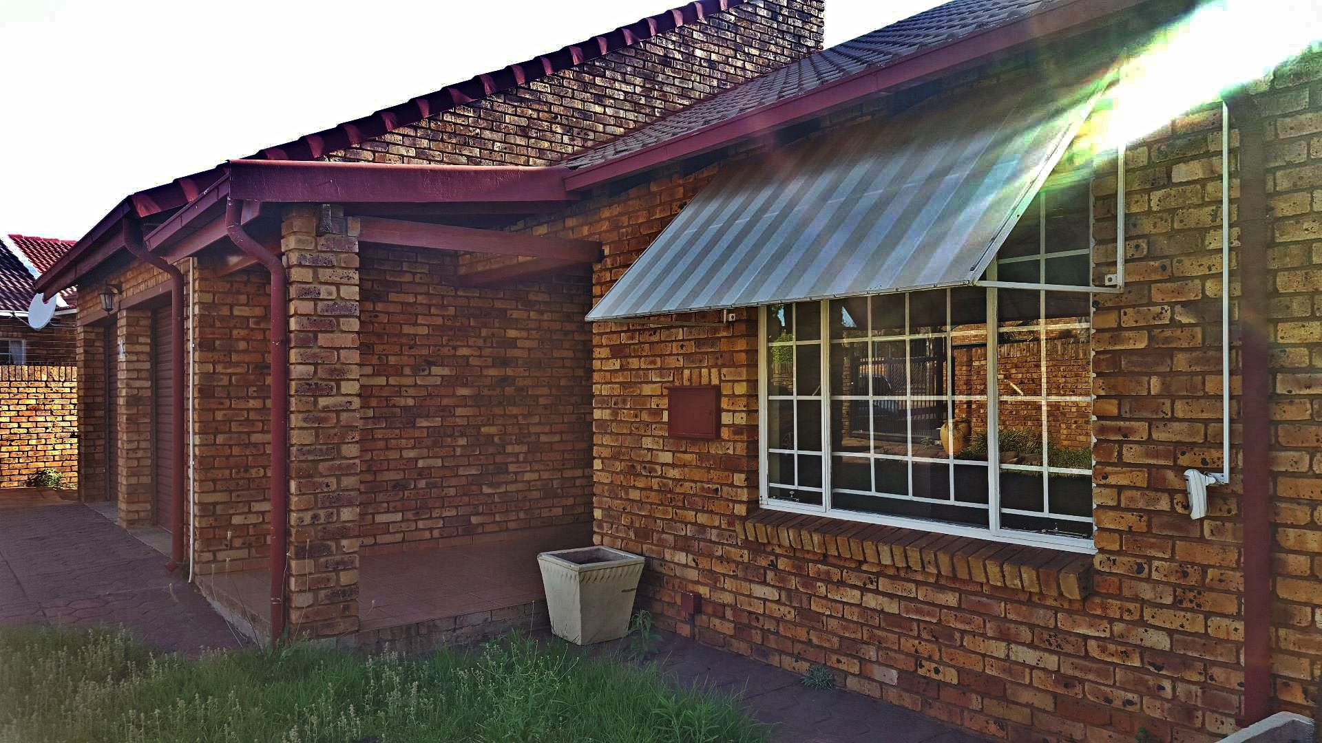Rooihuiskraal North property for sale. Ref No: 13545763. Picture no 1