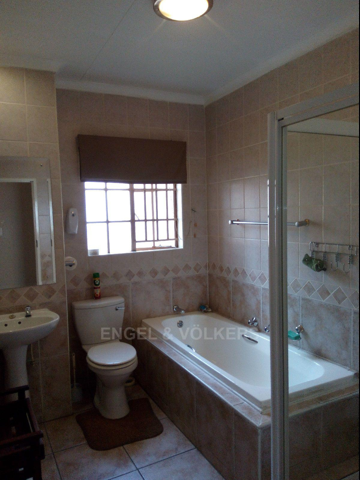 Amberfield Heights property for sale. Ref No: 13554956. Picture no 26