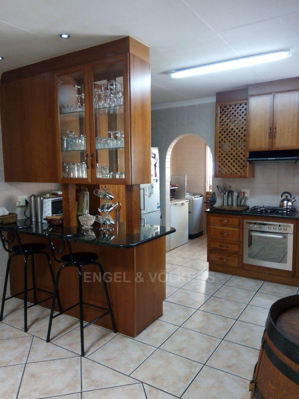 Amberfield Heights property for sale. Ref No: 13554956. Picture no 8