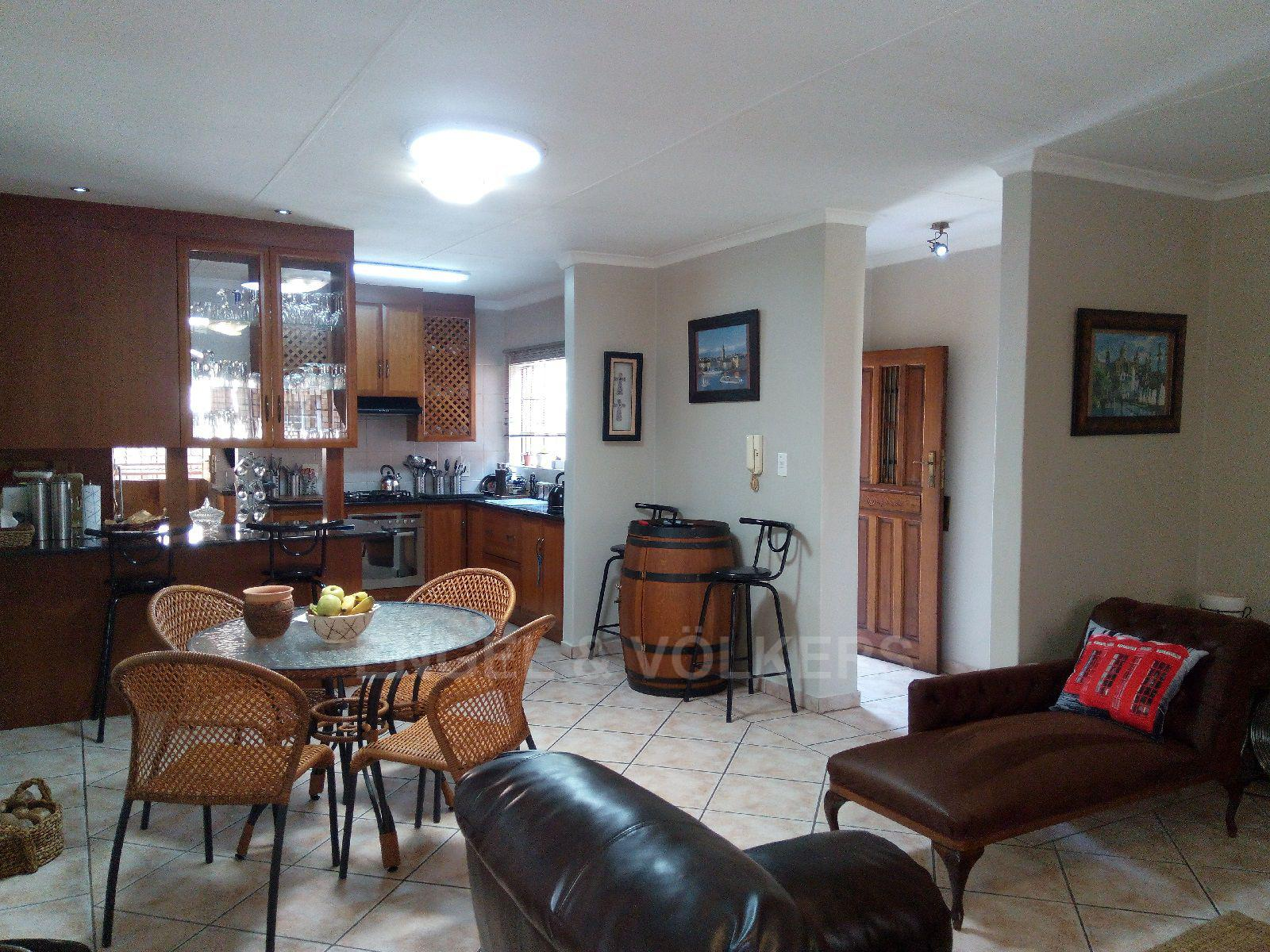 Amberfield Heights property for sale. Ref No: 13554956. Picture no 4
