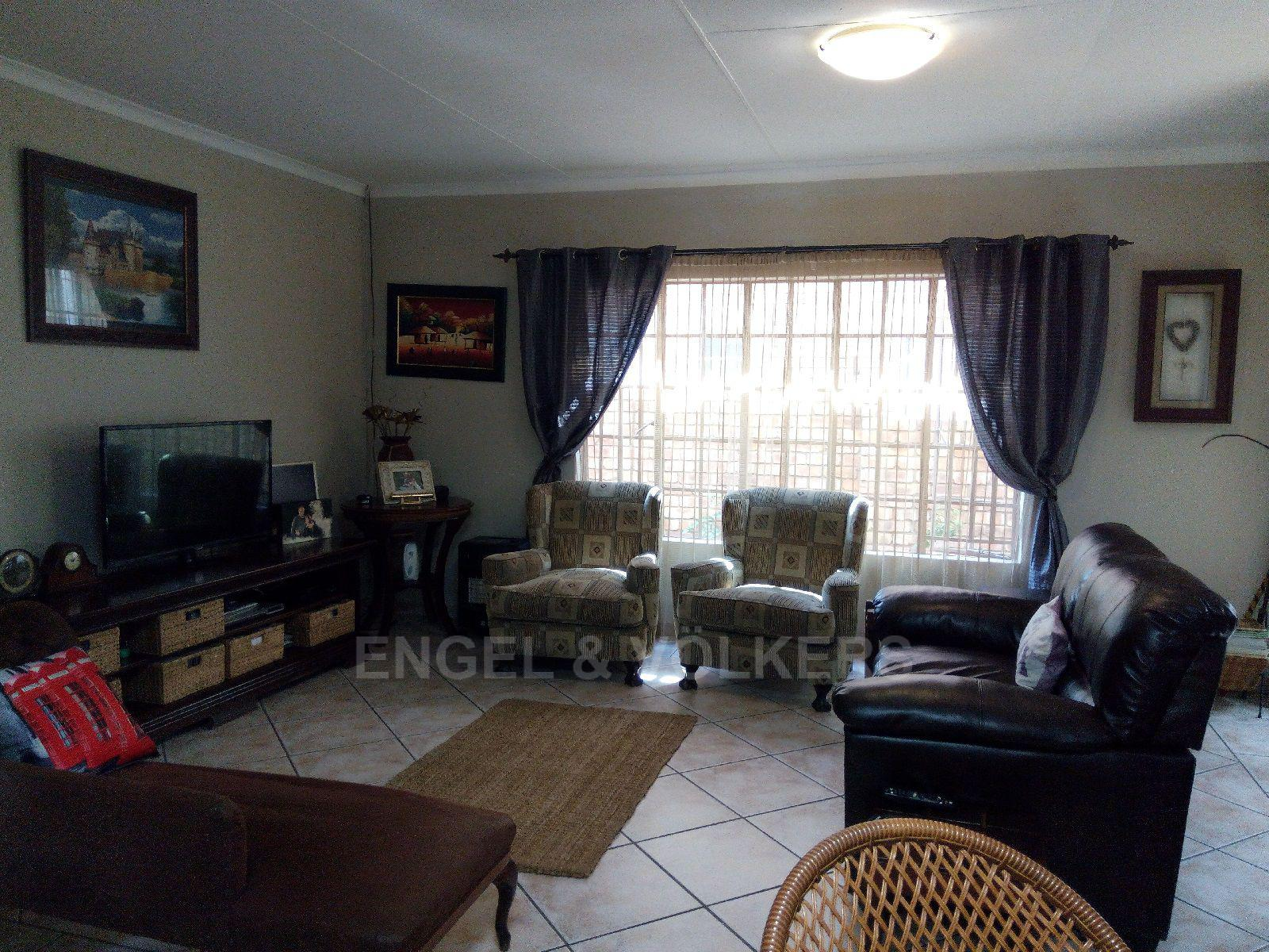 Amberfield Heights property for sale. Ref No: 13554956. Picture no 3