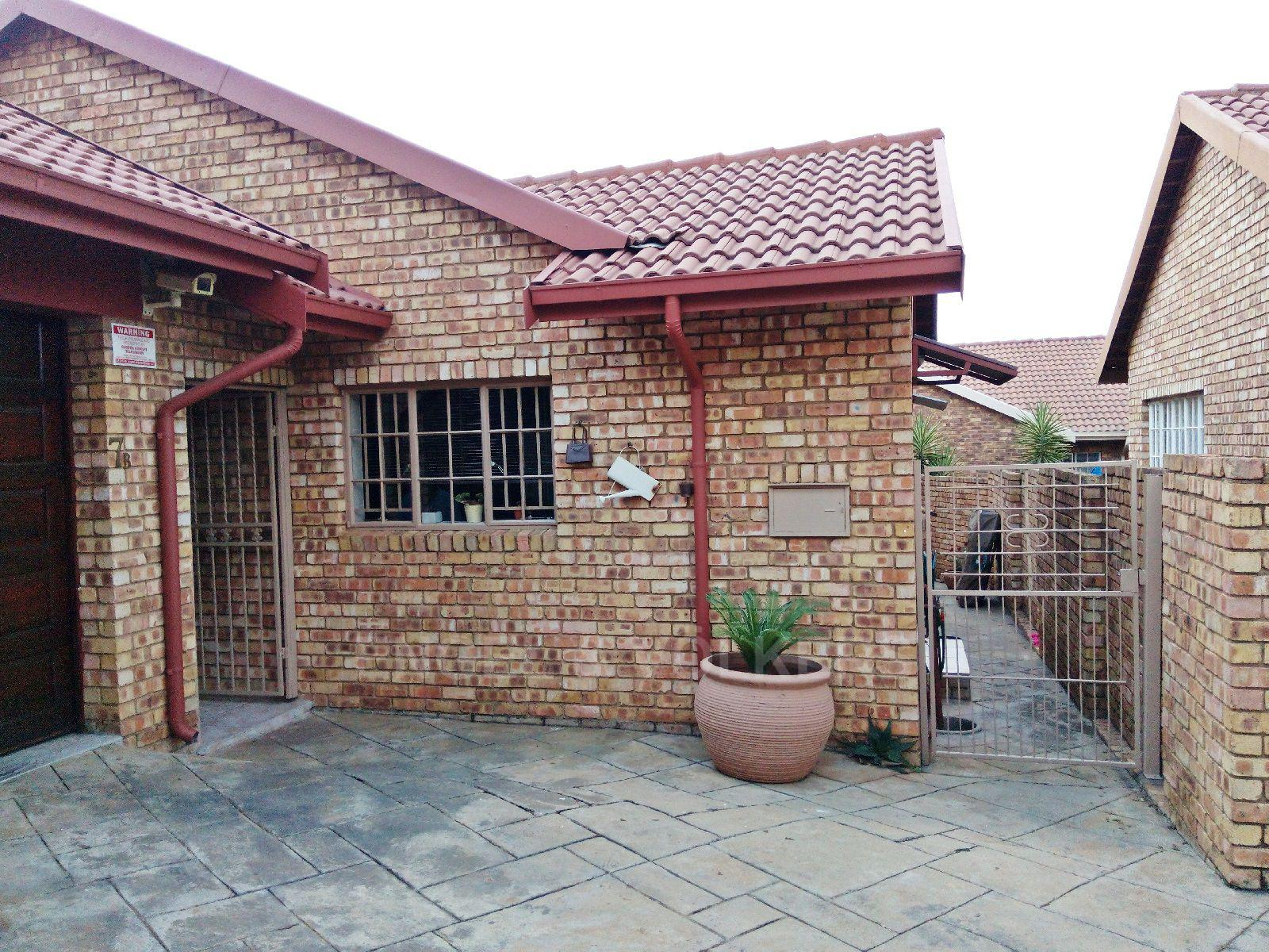 Amberfield Heights property for sale. Ref No: 13554956. Picture no 2