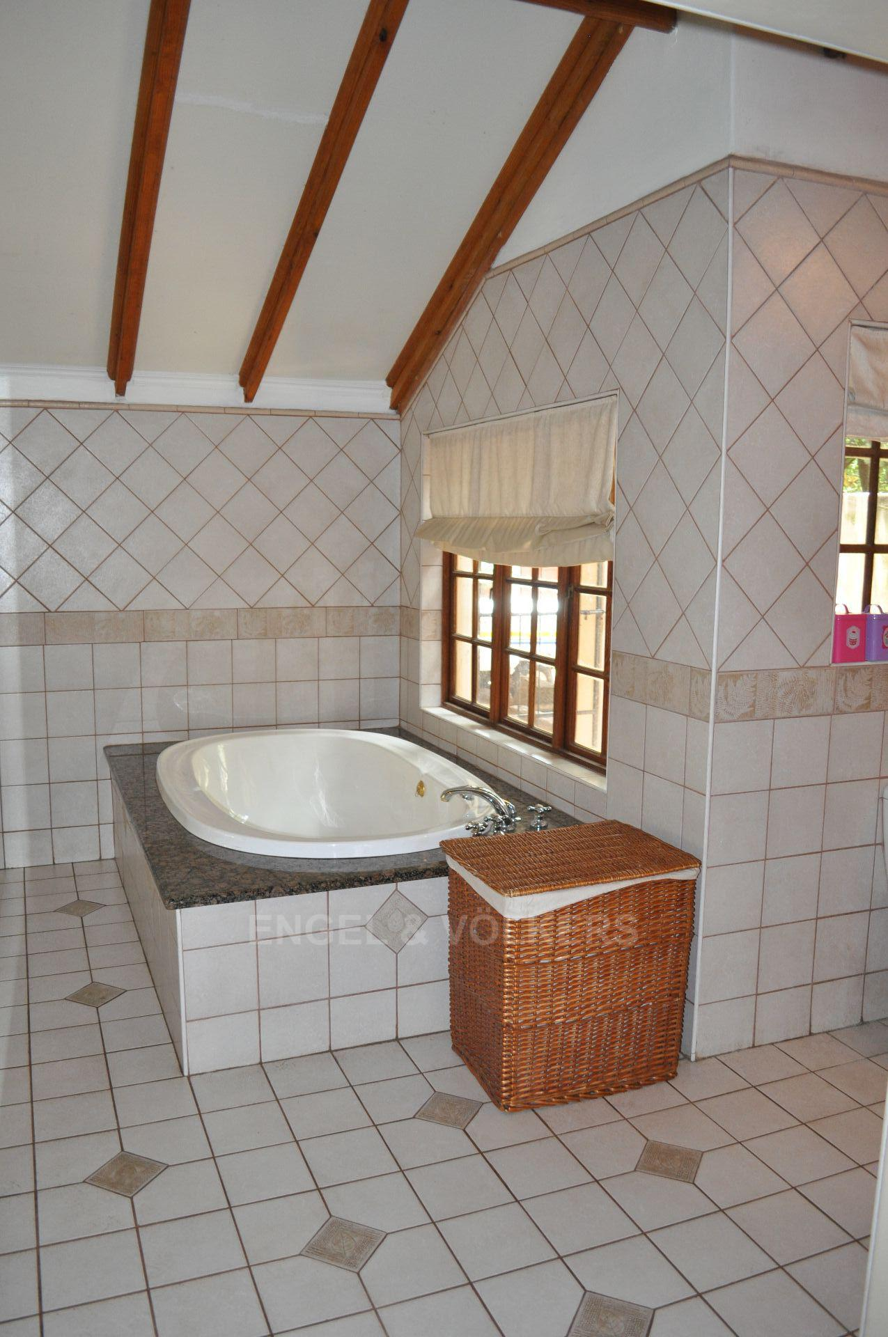 Doringkloof property for sale. Ref No: 13579964. Picture no 18