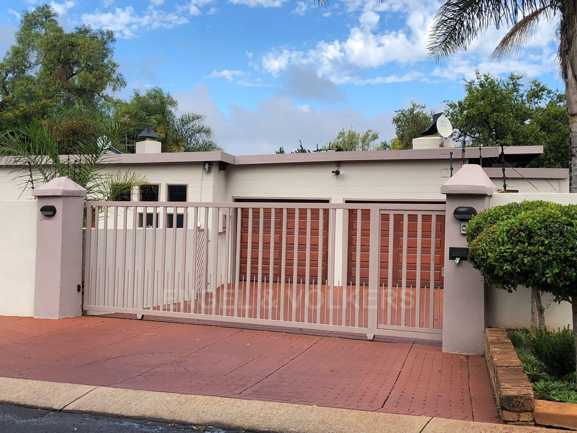 Centurion, Doringkloof Property  | Houses For Sale Doringkloof, DORINGKLOOF, House 4 bedrooms property for sale Price:1,995,000