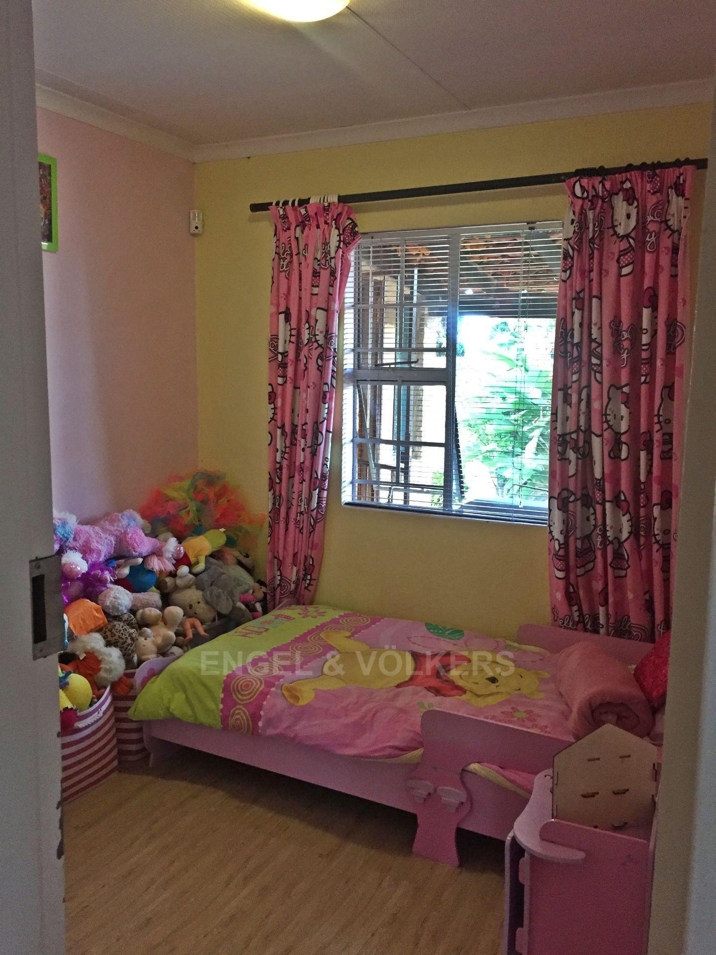 Eldoraigne property for sale. Ref No: 13580655. Picture no 9