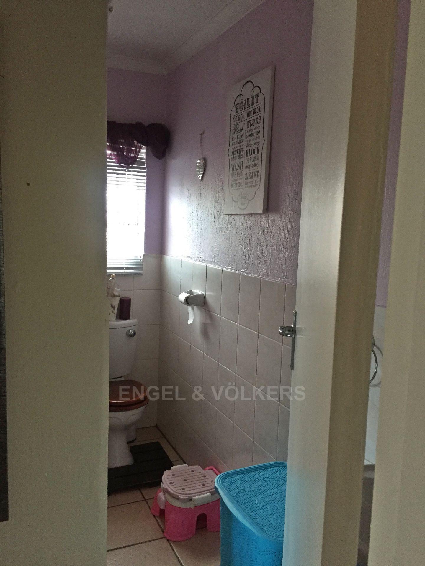 Eldoraigne property for sale. Ref No: 13580655. Picture no 11