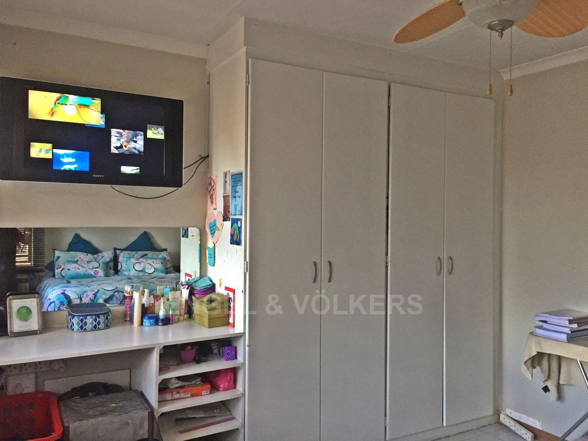 Eldoraigne property for sale. Ref No: 13580655. Picture no 15