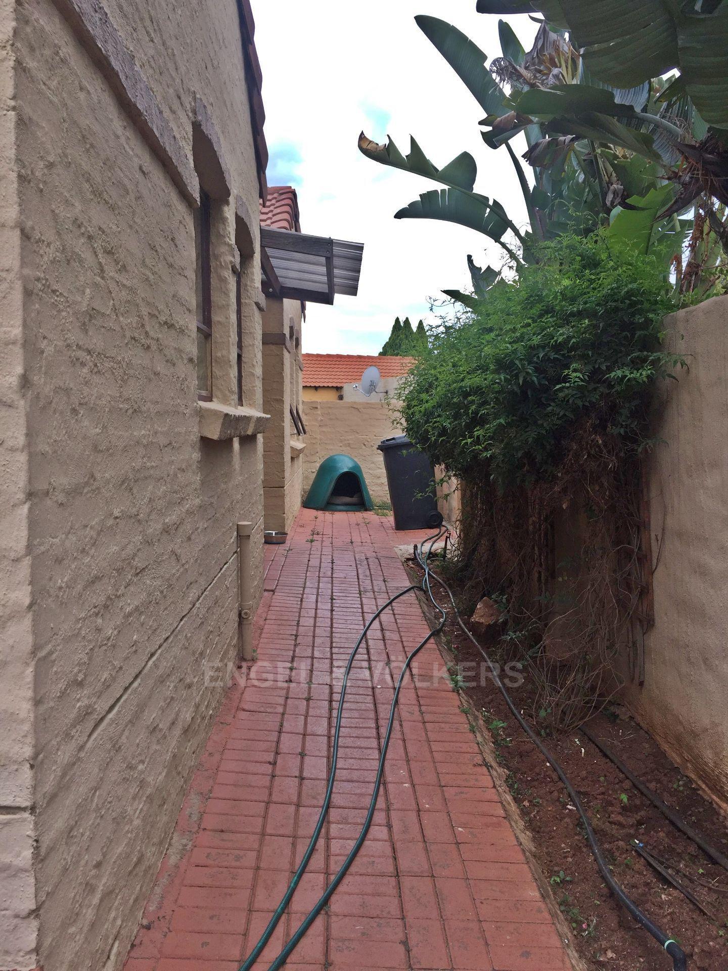 Eldoraigne property for sale. Ref No: 13580655. Picture no 17