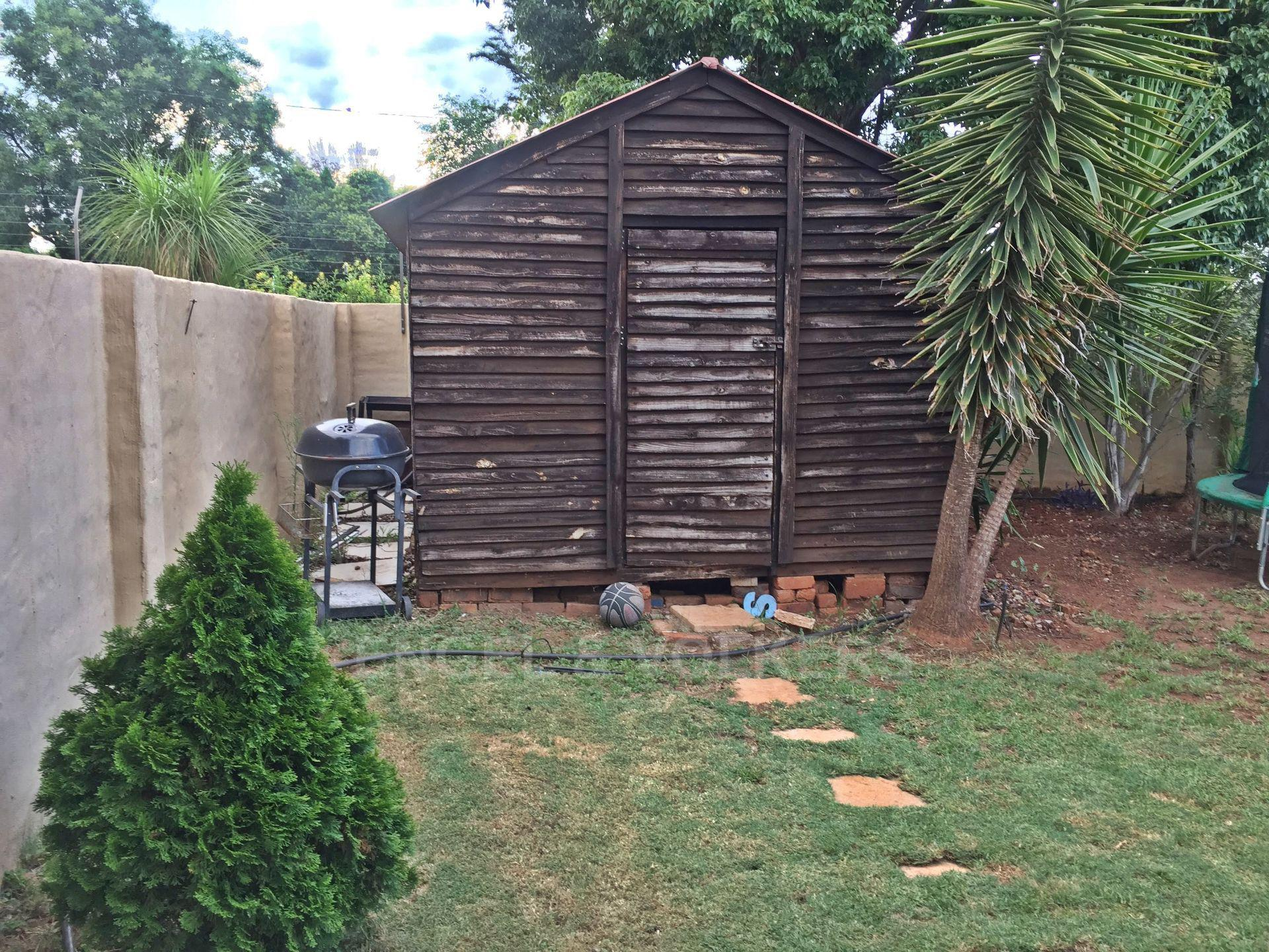 Eldoraigne property for sale. Ref No: 13580655. Picture no 18