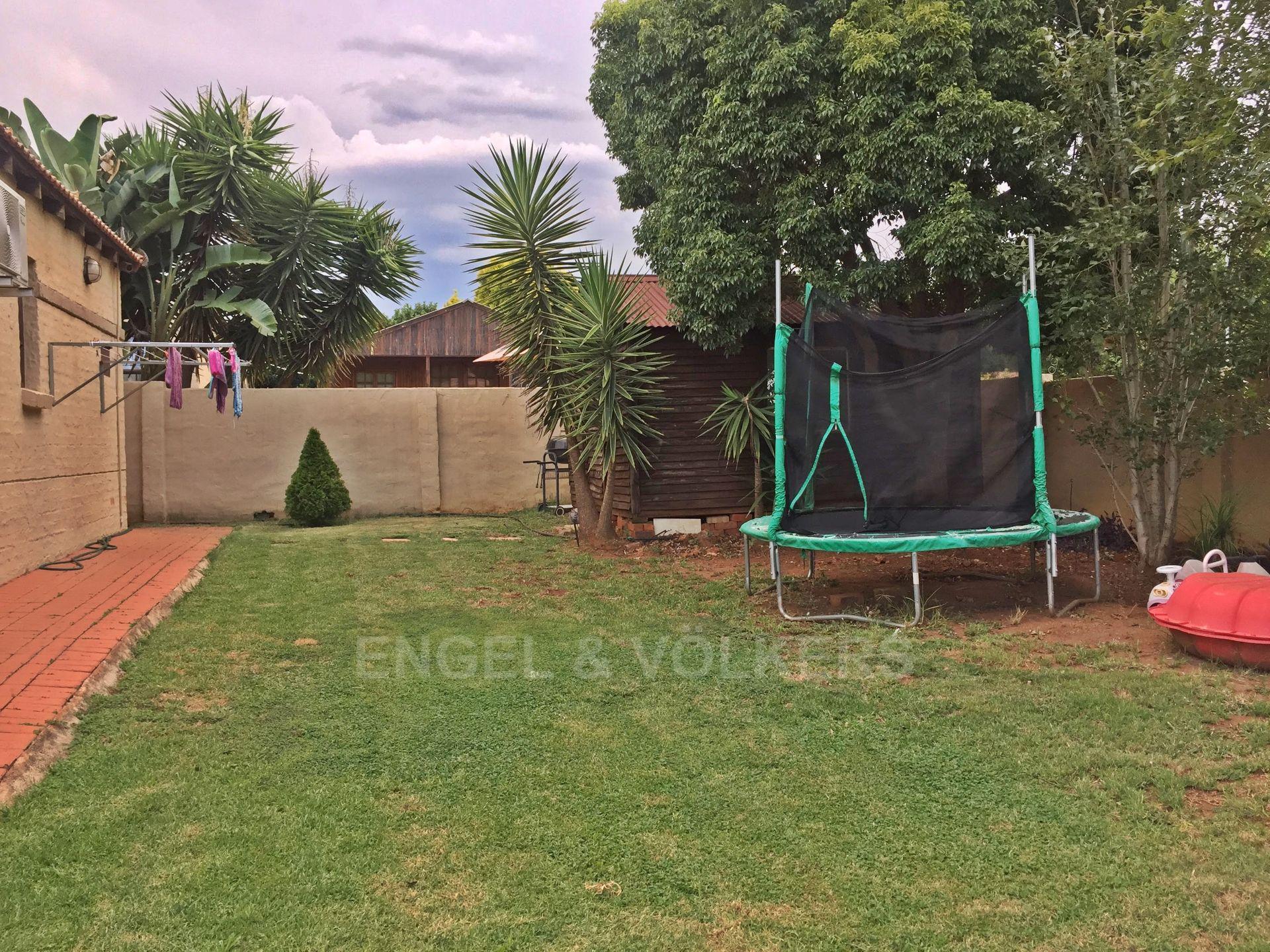 Eldoraigne property for sale. Ref No: 13580655. Picture no 13