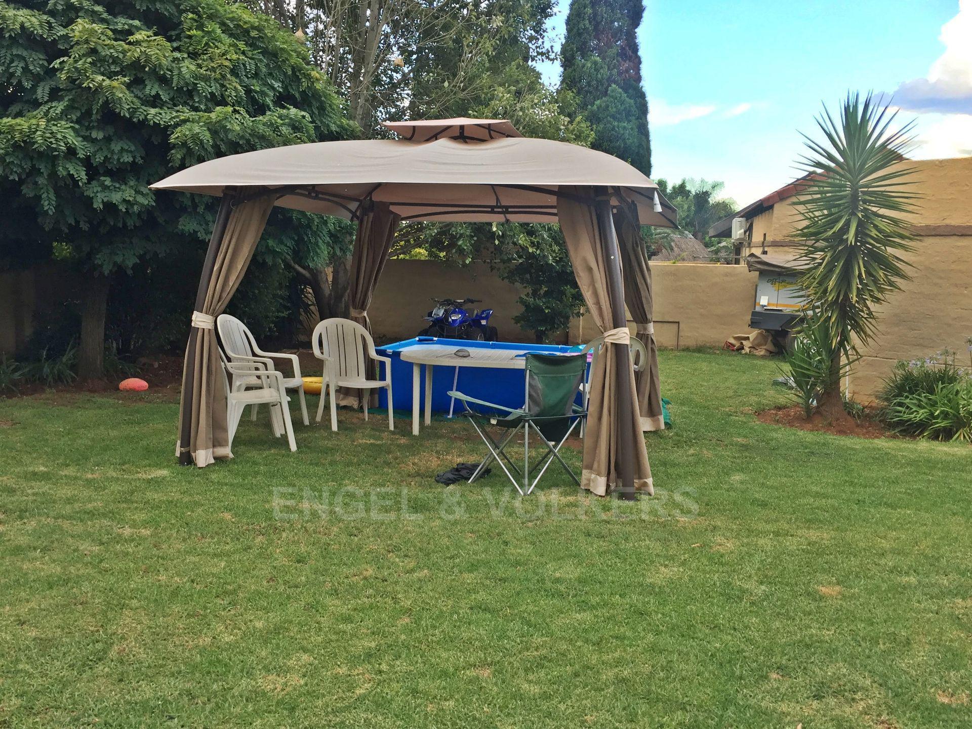 Eldoraigne property for sale. Ref No: 13580655. Picture no 3