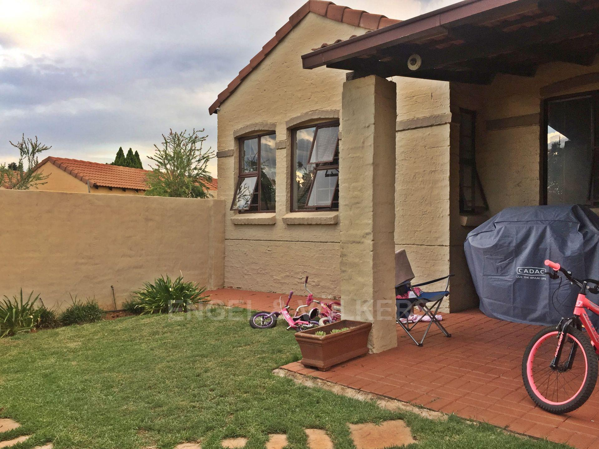 Eldoraigne property for sale. Ref No: 13580655. Picture no 8