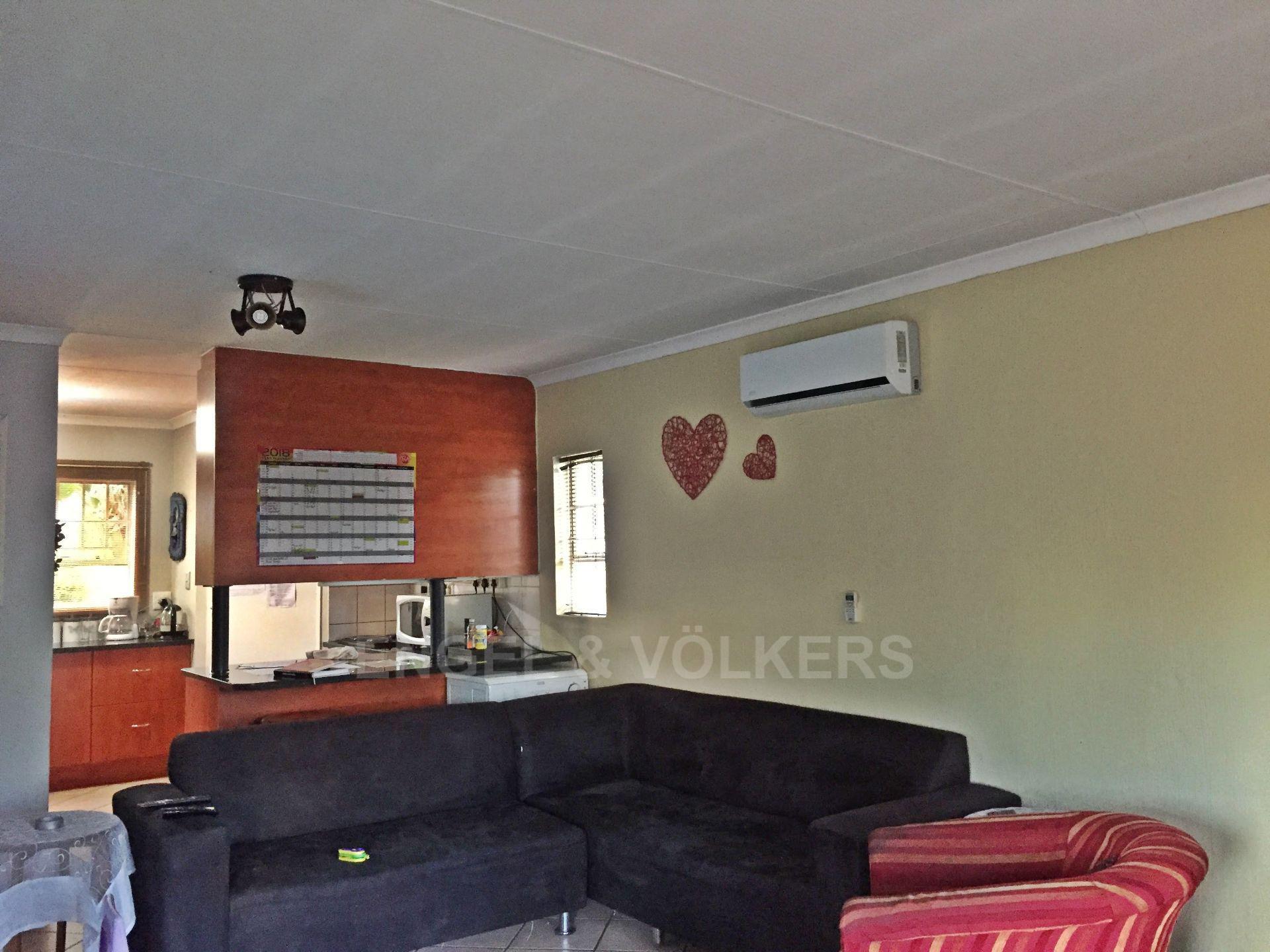 Eldoraigne property for sale. Ref No: 13580655. Picture no 19