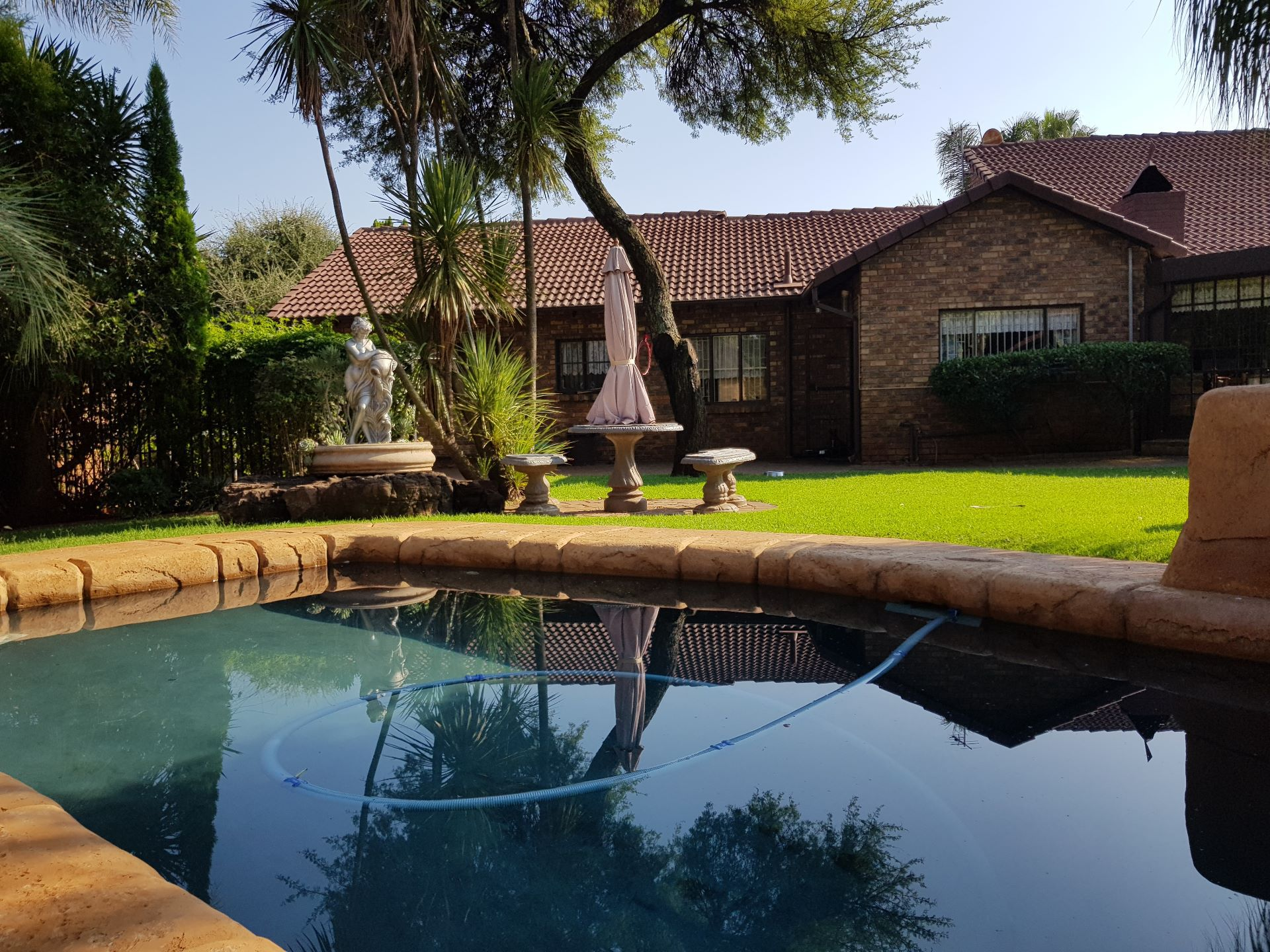 Property and Houses for sale in Rooihuiskraal North, House, 3 Bedrooms - ZAR 2,250,000