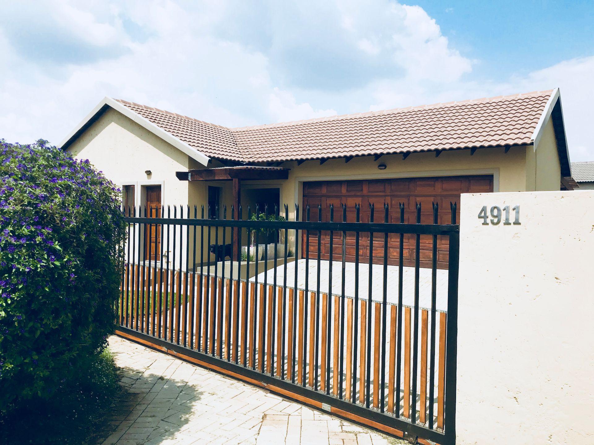 Centurion, Kosmosdal Property  | Houses For Sale Kosmosdal, KOSMOSDAL, House 2 bedrooms property for sale Price:1,270,000