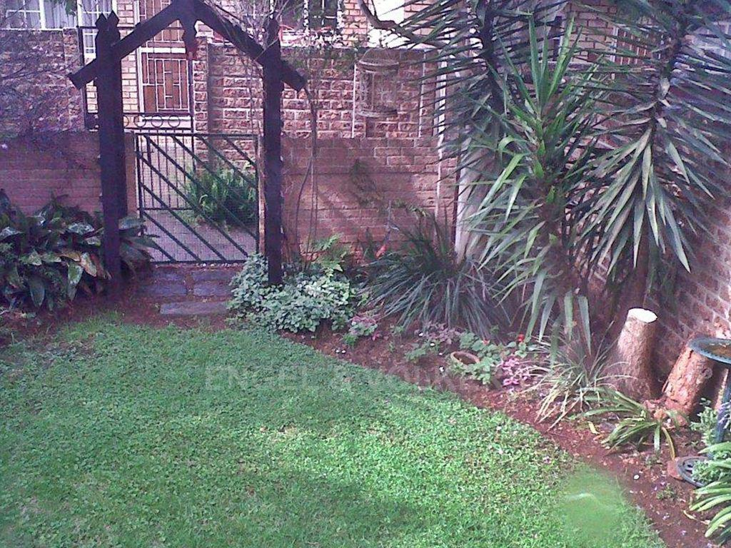 Property and Houses for sale in Hennopspark, Duplex, 2 Bedrooms - ZAR 750,000