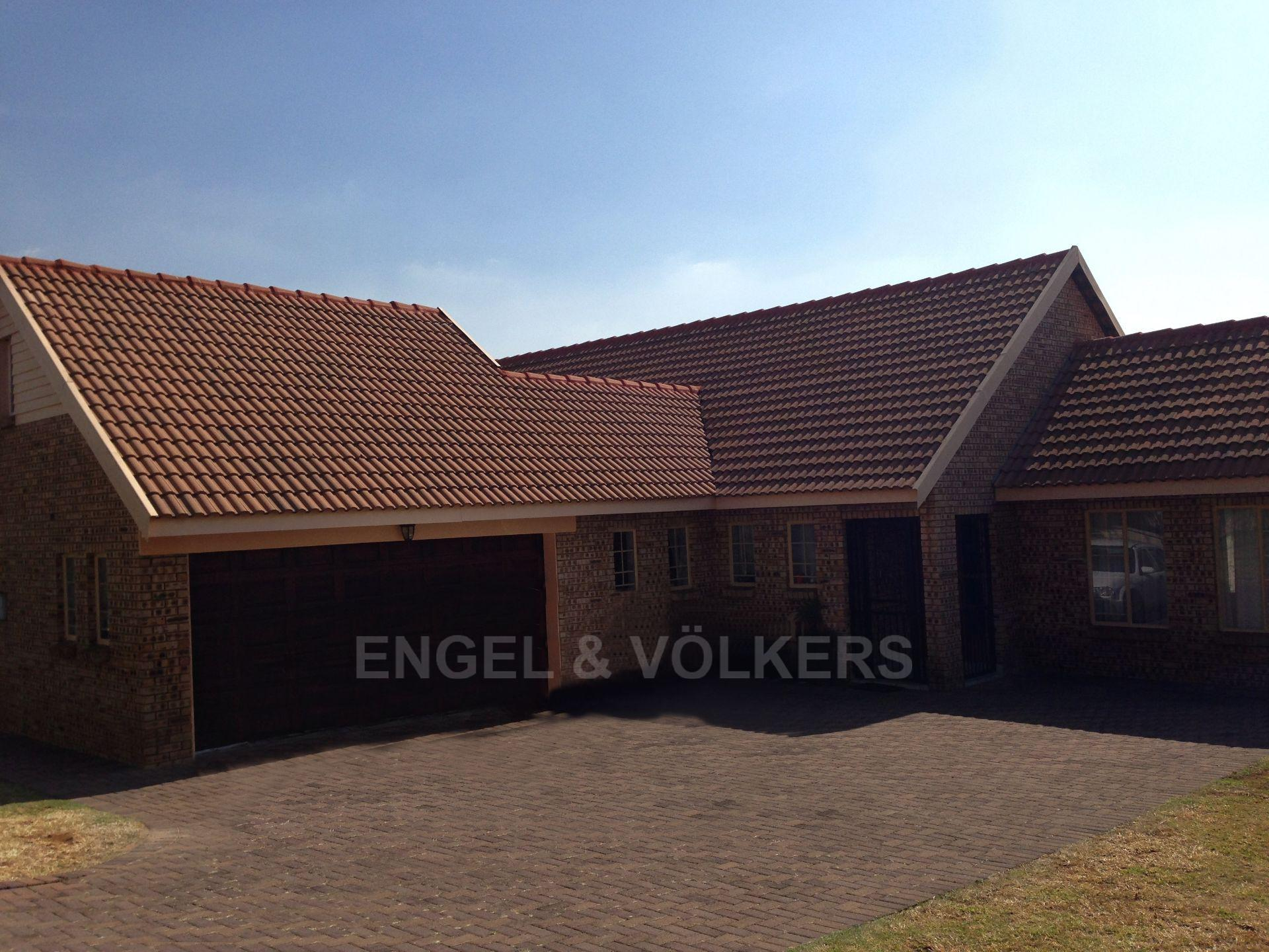 Property and Houses for sale in Brooklands Lifestyle Estate, House, 4 Bedrooms - ZAR 2,400,000