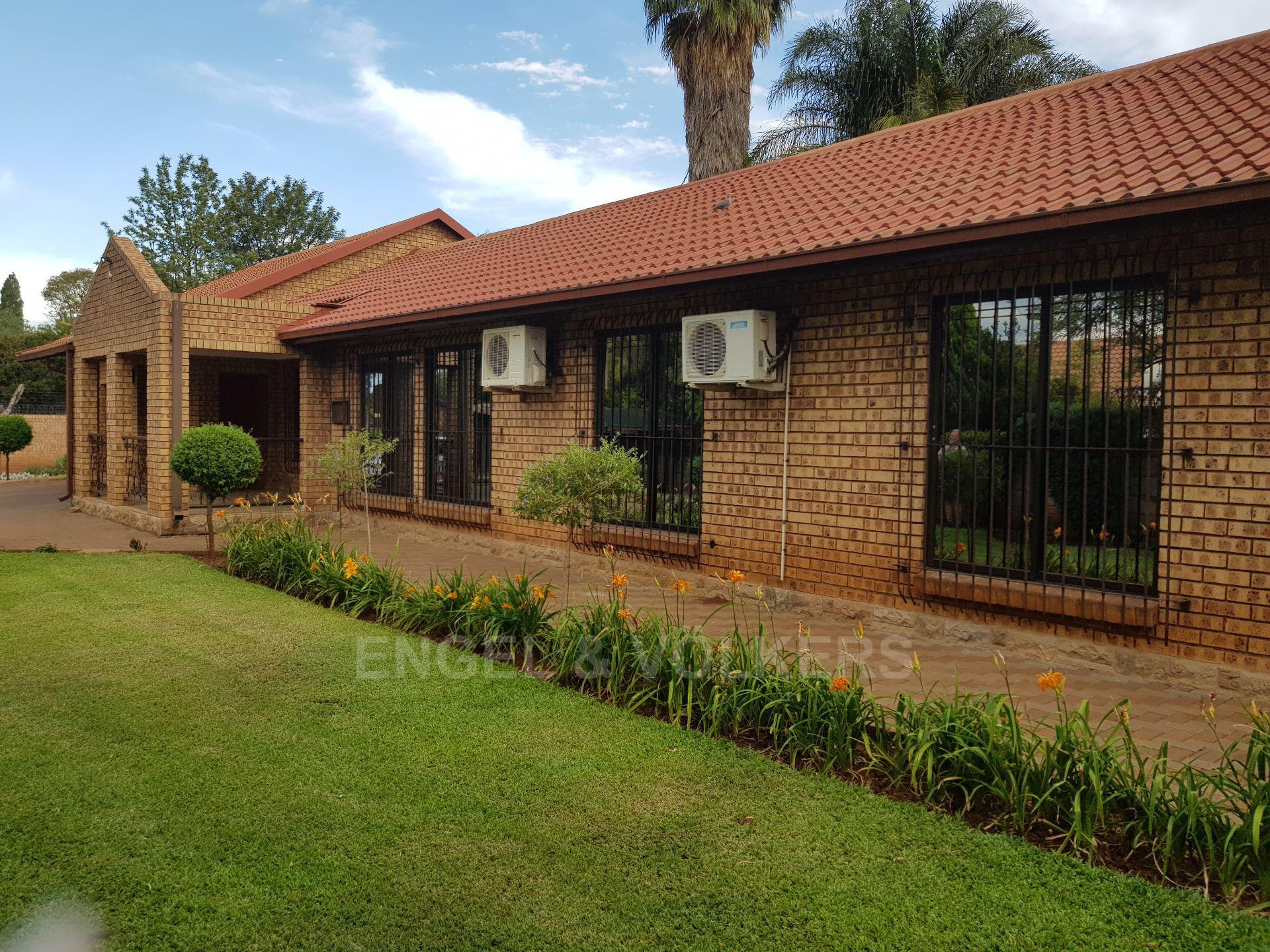 Centurion, Rooihuiskraal North Property  | Houses For Sale Rooihuiskraal North, ROOIHUISKRAAL NORTH, House 3 bedrooms property for sale Price:2,490,000