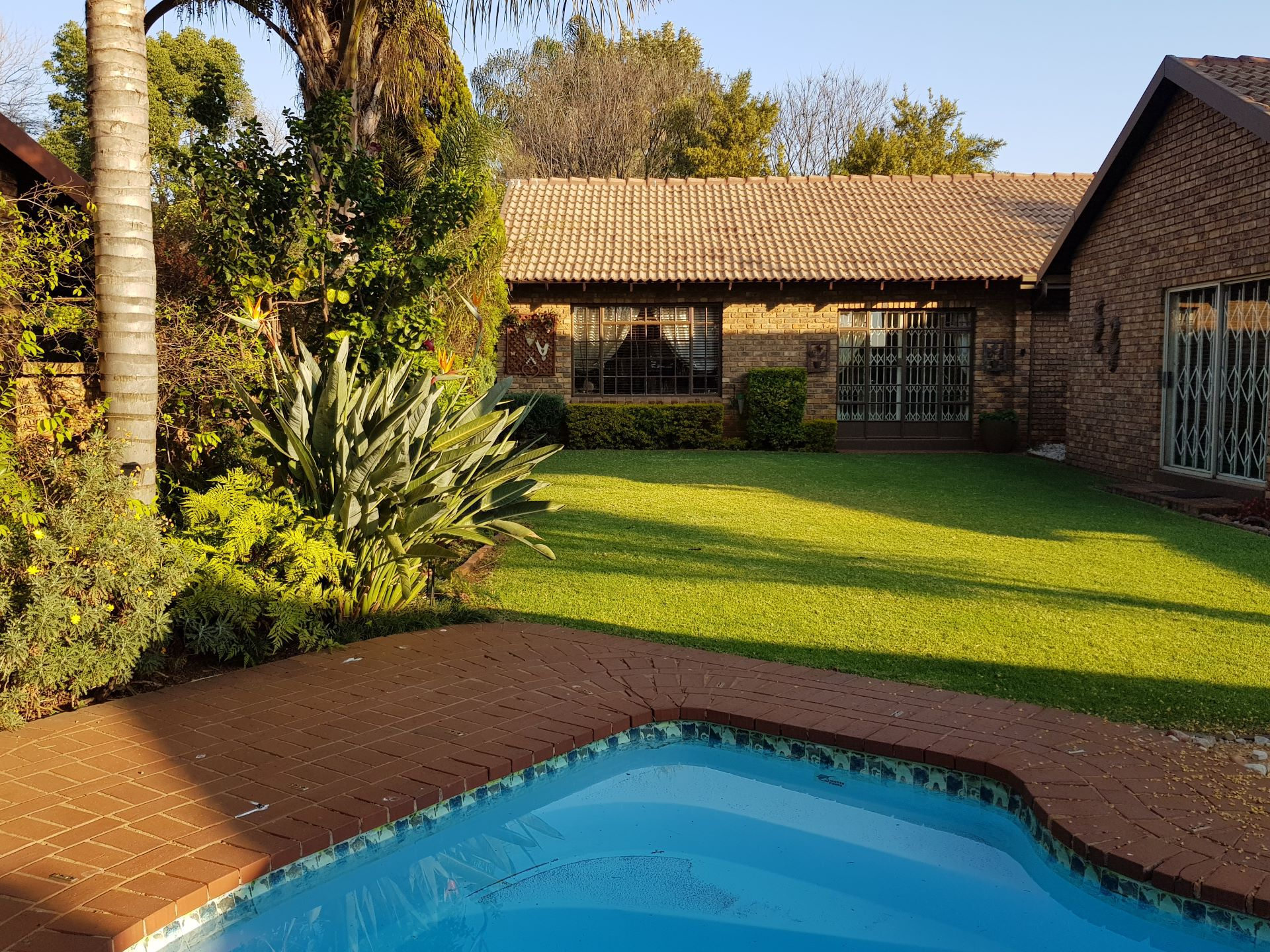 Property and Houses for sale in Rooihuiskraal North, House, 5 Bedrooms - ZAR 2,500,000