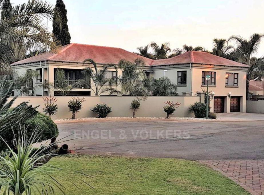 Property and Houses for sale in Eldoraigne, House, 4 Bedrooms - ZAR 3,395,000