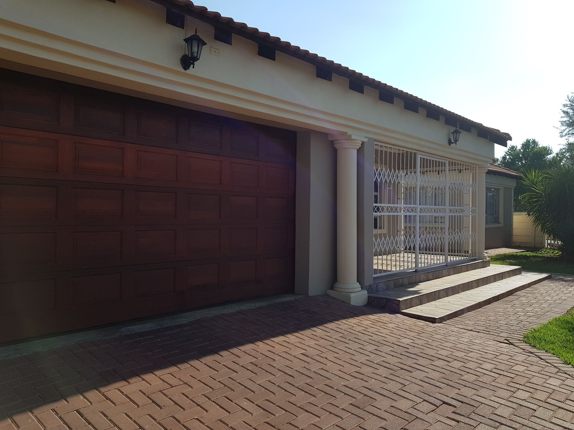 Property for Sale by Amanda de Vos, House, 4 Bedrooms - ZAR 2,090,000