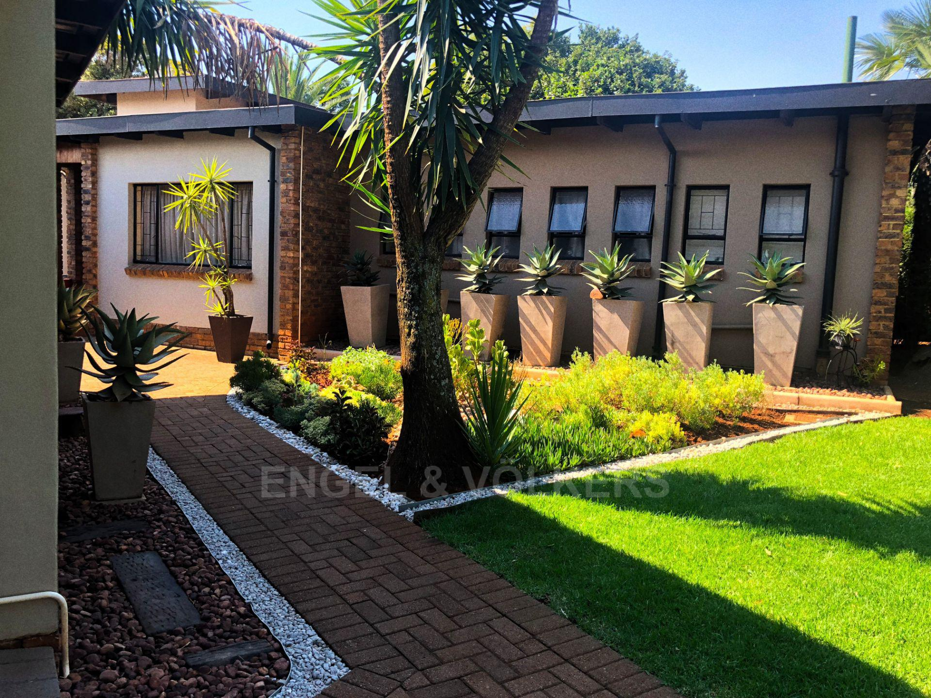 Property and Houses for sale in Doringkloof, House, 4 Bedrooms - ZAR 1,925,000