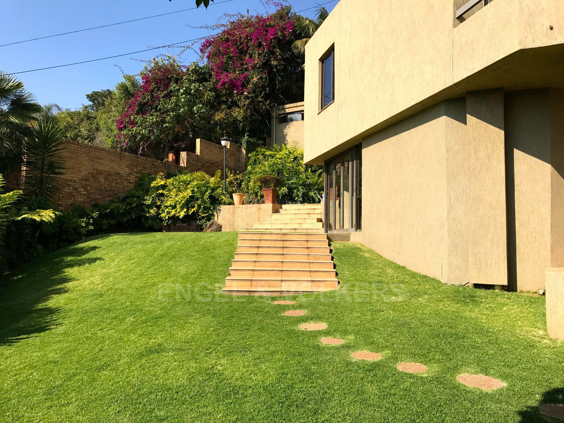 Waterkloof property for sale. Ref No: 2949259. Picture no 25
