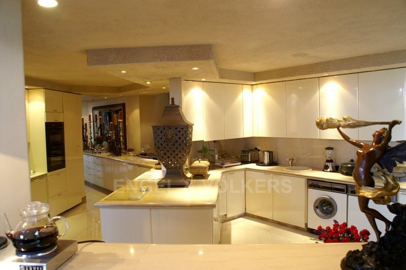 Waterkloof property for sale. Ref No: 2949259. Picture no 8